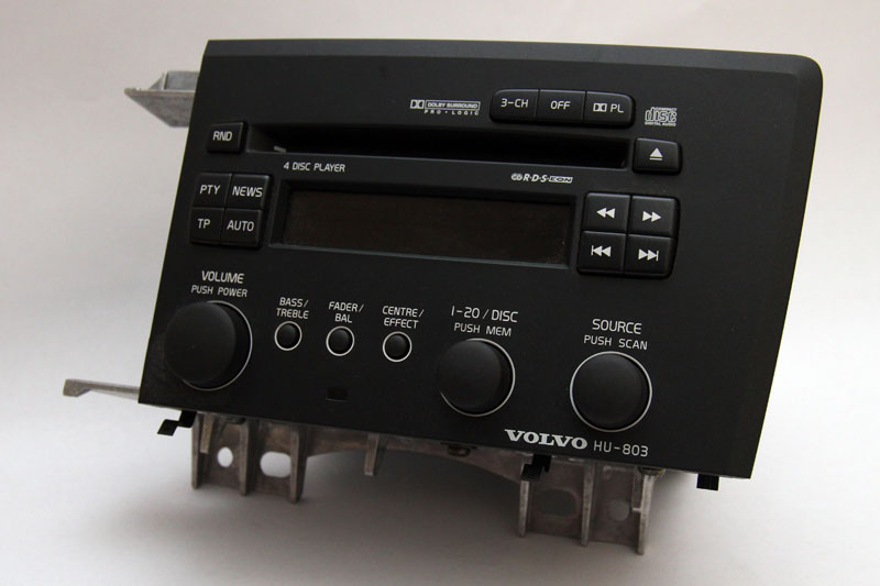 IMG_9583 2004 volvo hu 803 v70 s60 radio 4 disc cd player changer radio  at gsmx.co